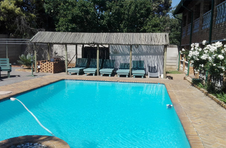 Accommodation near OR Tambo airport with a pool